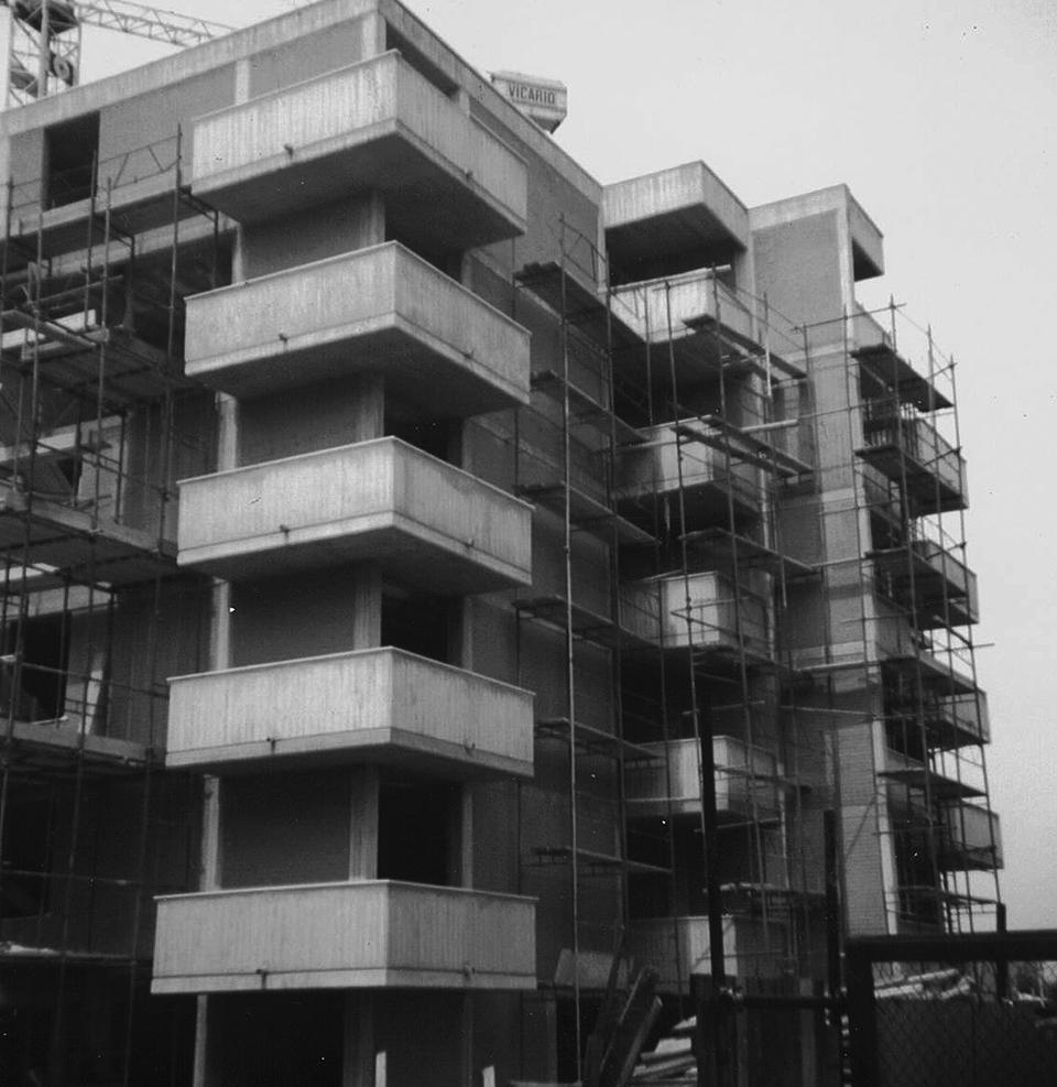 Condominio 5 piani nuova costruzione for Palazzo a 4 piani